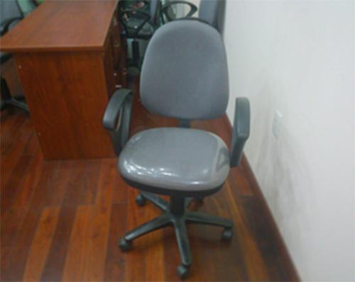 Thanh lý ghế xoay tay vịn văn phòng 0197