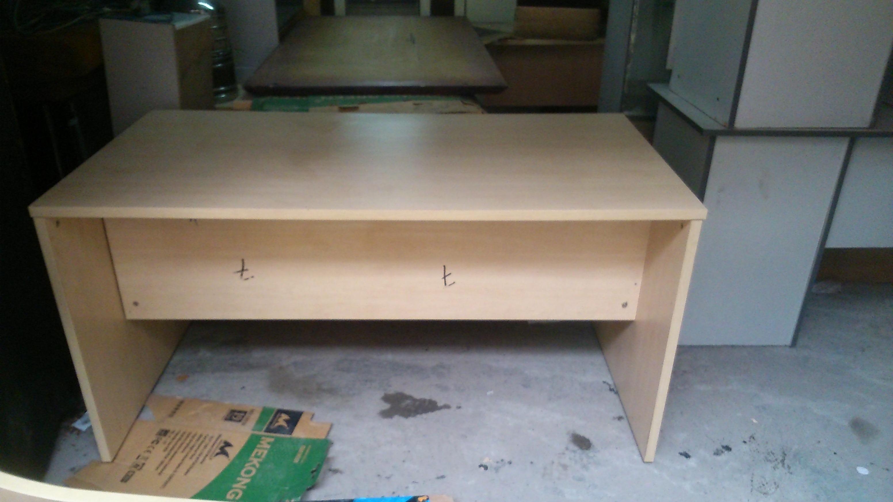 Thanh lý bàn văn phòng gỗ MDF 0195