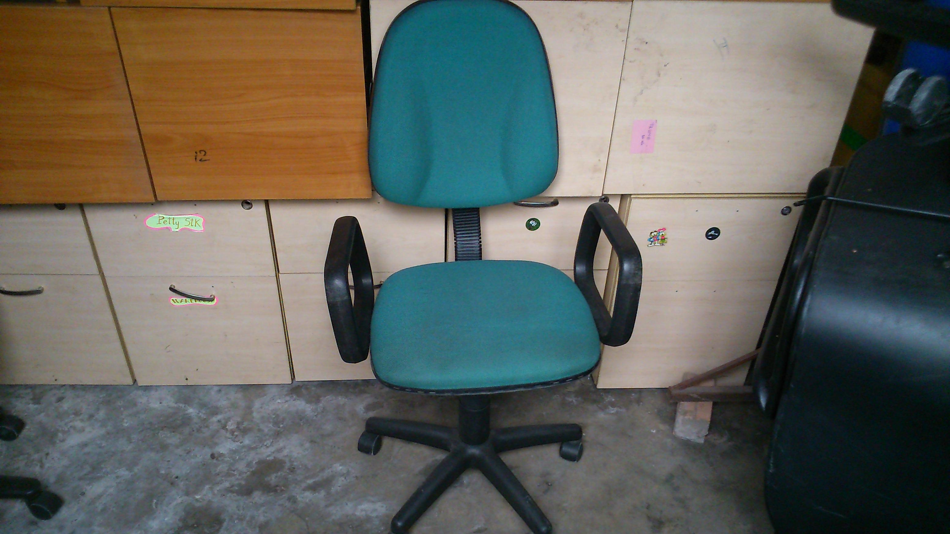 Thanh lý ghế xoay tay vịn 0107
