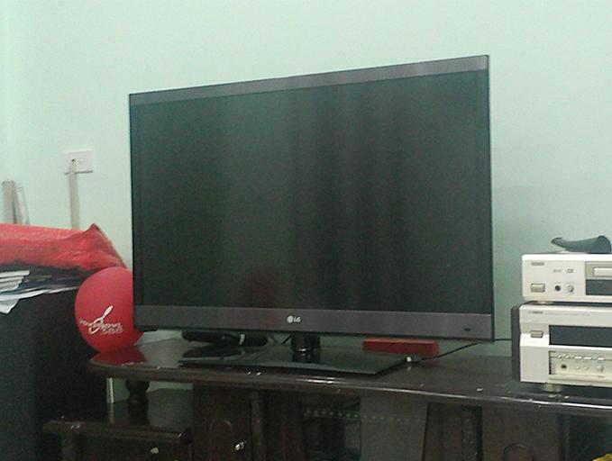 Mua bán Tivi LG siêu mỏng 42 inch cũ 007